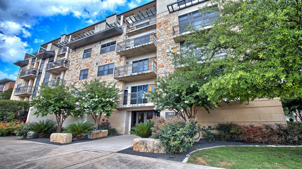 SOLD – 1812 West Ave #303, Austin, TX 78701 – Park West Condo Residence
