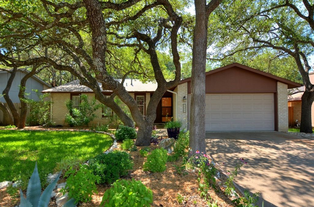 8004 Croftwood Dr, Austin, TX 78749 – Woodstone Village