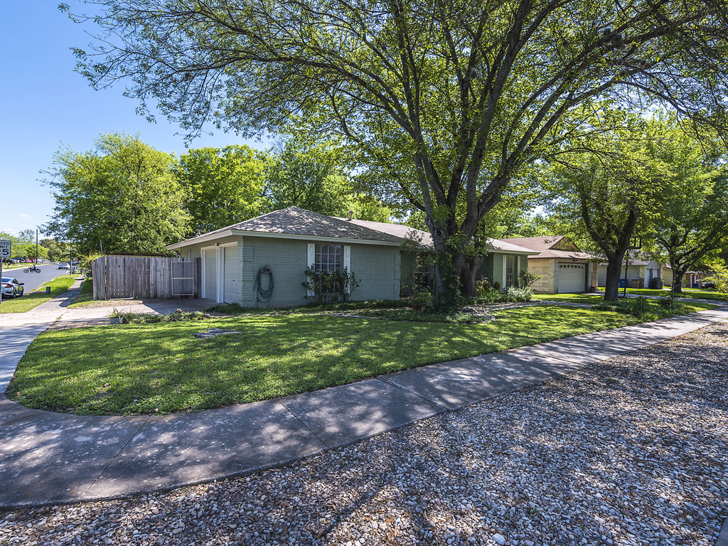 Sold 12611 lamplight village ave austin tx 78727 sky for Lamplight village austin