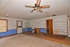 306 W Live Oak 15