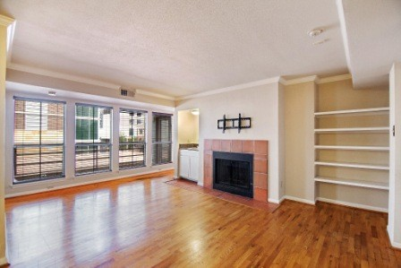 SOLD – 201 E 4th St #207, Austin, TX 78701 – Railyard Condos