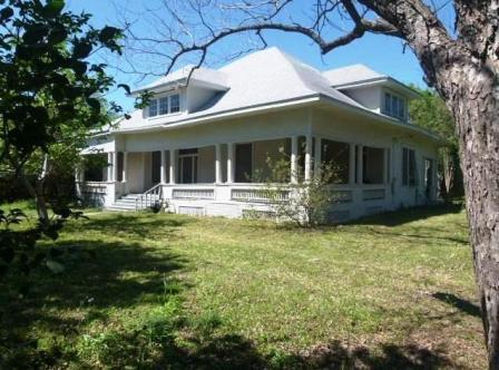 SOLD – 106 Taylor St, Hutto, TX 78634