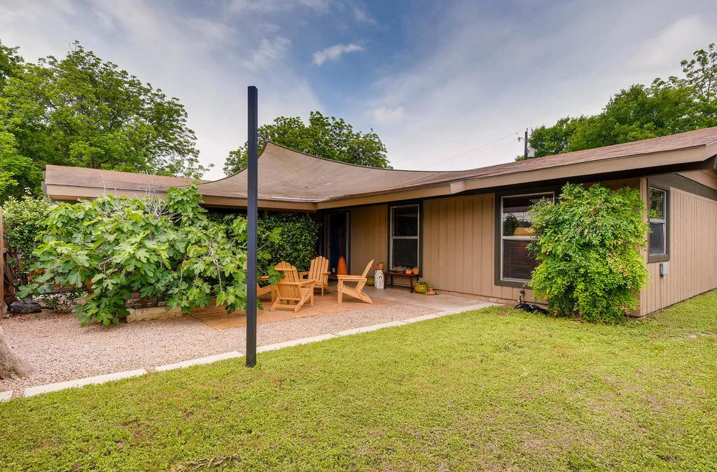 SOLD – 4614 S 1st St, Austin, TX 78745 – Greenwood Forest