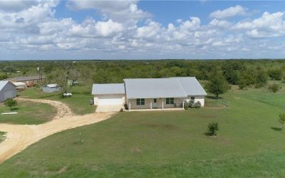 450 Green Acre Dr, Dale, TX 78616