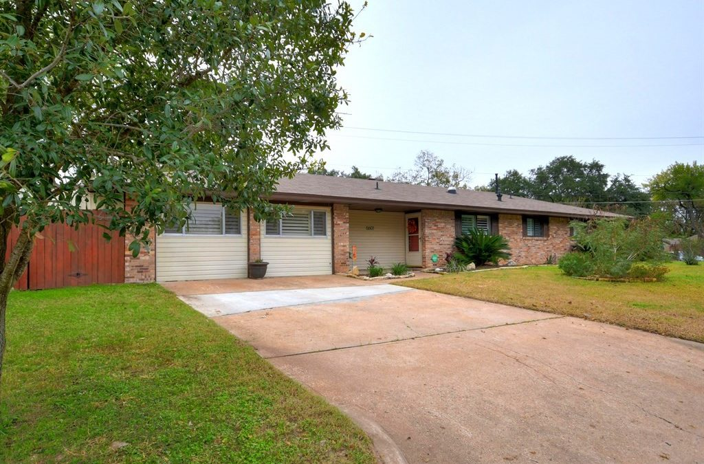 6601 Columbia Dr, Austin, TX 78723 – University Hills